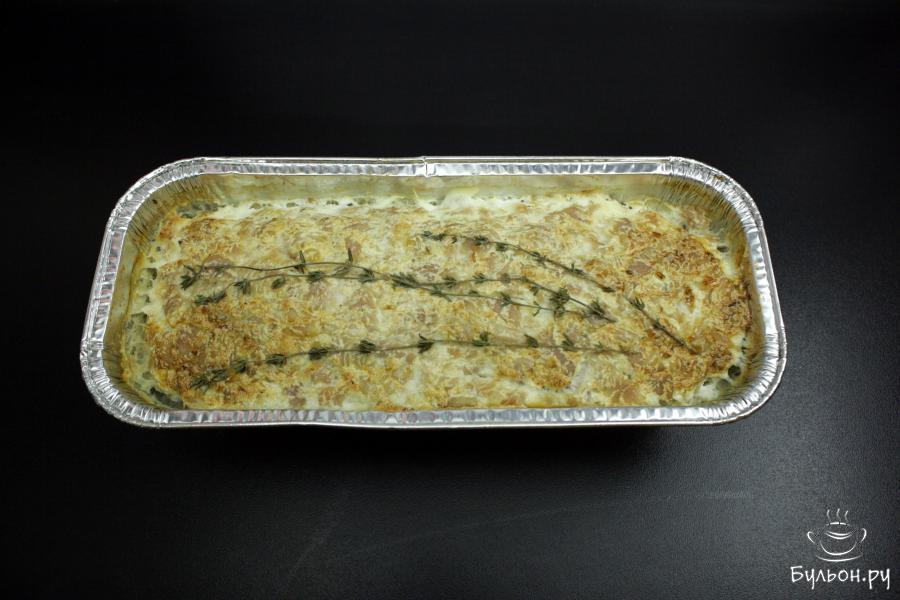 Суфле из индейки выпекать в разогретой до 170 градусов духовке 15-20 минут. Дать постоять 5 минут в остывающей духовке.