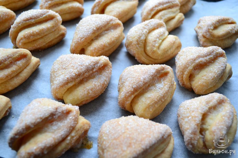 Выпекать это необычайное печенье в духовом шкафу при 180 град. Около 35 мин.