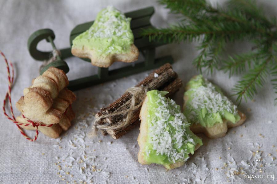 Рождественское печенье с глазурью готово. Счастливого Нового года и Рождества.