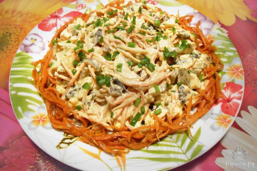 """Салат """"Лисичка"""" с курицей и морковью по-корейски"""