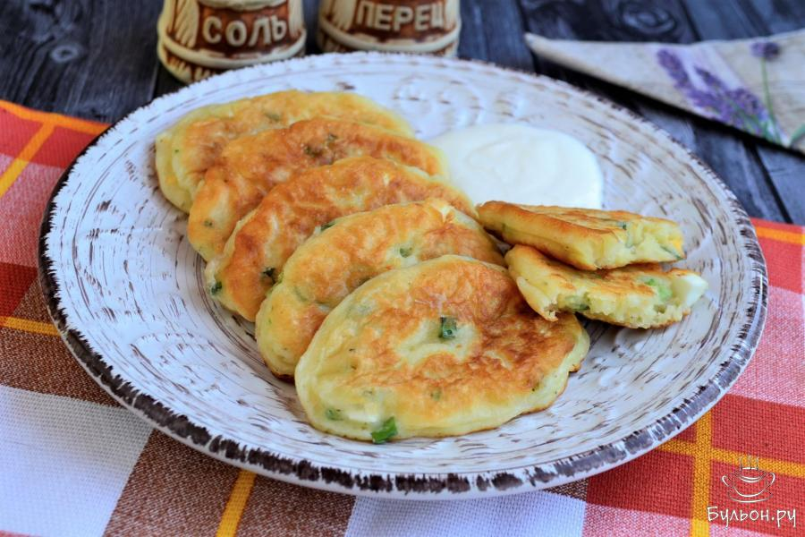 Ленивые пирожки с яйцом и зеленым луком - пошаговый рецепт с фото